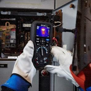 Flir DM166 Digital Multimeter with built-in Thermal Imager