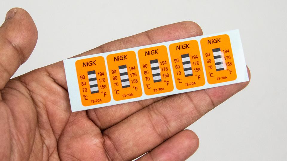 NiGK (Nichiyu Giken) T3-70A แถบวัดอุณหภูมิแบบ NON-Reversible (Temperature Label) | 40pcs/ 1pack