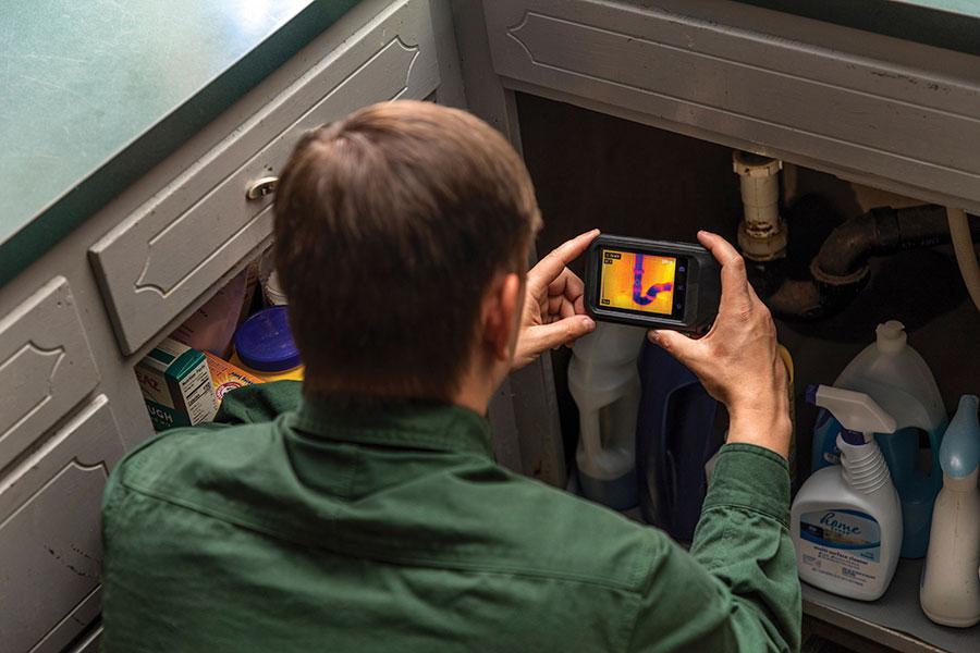 FLIR C3-X กล้องถ่ายภาพความร้อนแบบพกพา (128 x 96 pixels) | พร้อม Cloud & Wi-Fi